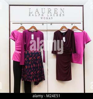 Ralph Lauren femme vêtements en grand magasin en Espagne Banque D Images 747155e6758