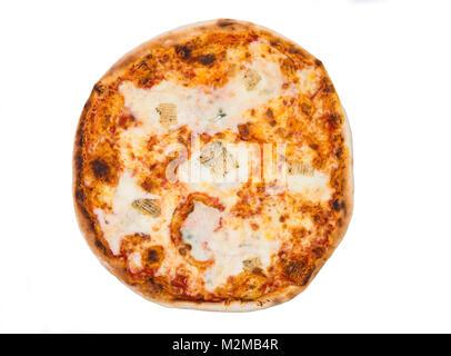 Pizza italienne originale fromage quatre isolé sur blanc. Le menu du restaurant. Banque D'Images