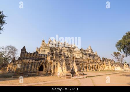 Maha Aungmye Bonzan (Aung Mye) monastère (aussi connu asn Me nu Ok Kyaung Me nu ou en brique du monastère) dans Banque D'Images