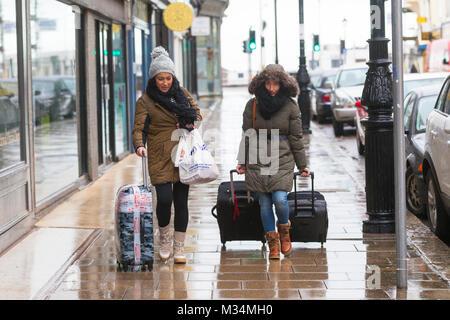 Hastings, East Sussex, UK. Feb 9, 2018. Météo France: la pluie qui a couvert une grande partie du sud-ouest est Banque D'Images