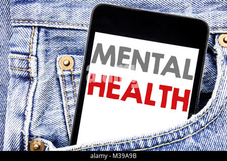 L'écriture de texte montrant la santé mentale. Concept d'affaires pour l'Anxiété Troubles maladie cellulaire écrit Banque D'Images
