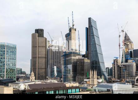 London EC3 de l'immobilier commercial skyline: Cheesegrater, noyau en béton des gratte-ciel nouveau 22 Bishopsgate Banque D'Images