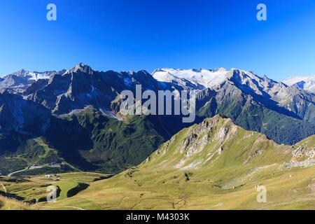 Soleil sur les glaciers Presena et Pisgana vu de col Tonale Valcamonica frontière de la Lombardie et du Trentin Banque D'Images