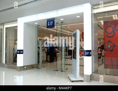 HONG KONG - le 4 février 2018: Gap store à Hong Kong. L'écart est une multinationale américaine détaillant de vêtements Banque D'Images