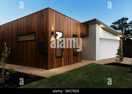 Bardage en bois contemporain sur un Australien accueil Banque D'Images