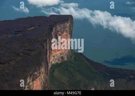 Le Roraima tepui (télévision top mountain) est la plus élevée de la chaîne des Pakaraima Tepuis les plateaux en Banque D'Images