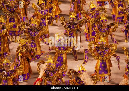 Présentation de l'école de samba au Sambodrome, Carnaval de Rio de Janeiro, Brésil Banque D'Images