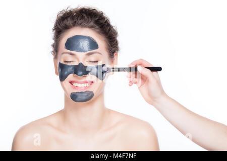 Masque charbon noir sur demande belle femme. Banque D'Images