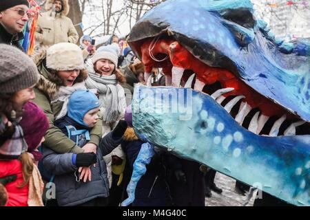 Moscou, Russie. 16 Février, 2018. Moscou, Russie - 16 février 2018: un spectacle théâtral au cours d'une célébration Banque D'Images