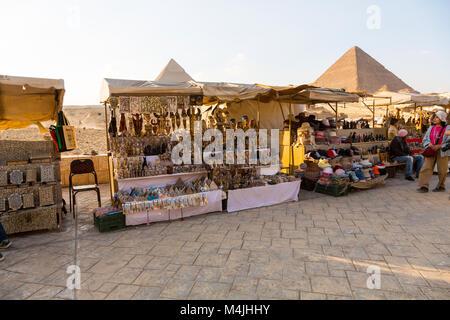 Pyramids, Giza, Egypte, Afrique du Nord Banque D'Images