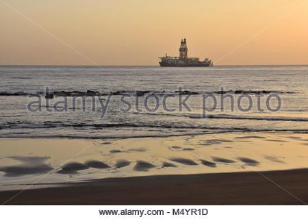 La plate-forme de forage en mer dans l'océan Atlantique près de Las Palmas de Gran Canaria Îles Canaries Espagne. Banque D'Images