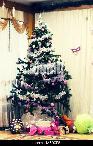 Arbre de Noël. L'intérieur du Nouvel An Banque D'Images