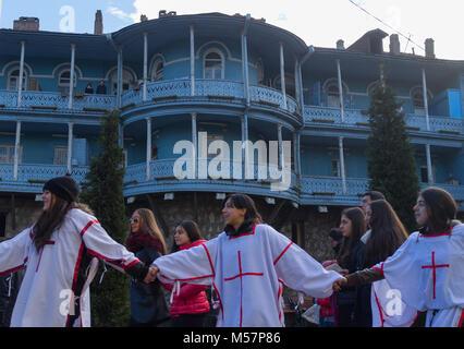 Le 7 janvier 2014. Tbilissi, Géorgie. Les participants de la procession de Noël Alilo sur l'une des rues de Tbilissi. Banque D'Images
