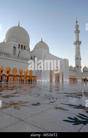 La Mosquée Sheikh Zayed, Abu Dhabi, Émirats Arabes Unis Banque D'Images