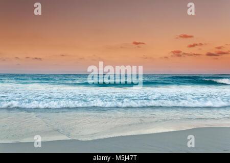 Caraïbes, la République dominicaine, Punta Cana, Playa Bavaro, vue sur la mer au coucher du soleil
