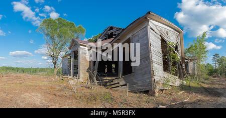 L'ancien bâtiment de l'école Sarepta, abandonnés. Situé à la localité de Sarepta en comté de Calhoun, Mississippi. Banque D'Images