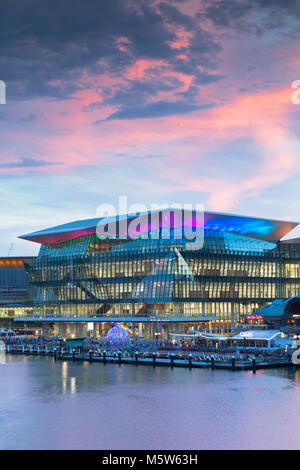 International Convention Center au coucher du soleil, Darling Harbour, Sydney, New South Wales, Australia Banque D'Images