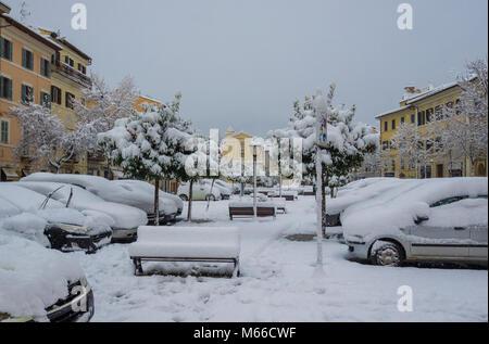 Poggio Mirteto (Italie) - Le centre historique d'une petite ville de la province de Rieti, près de Rome, capitale d'exception en vertu de neige de février 2018