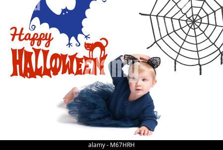 Costume Halloween. Little girl habillé pour l'Halloween comme Black Cat Banque D'Images
