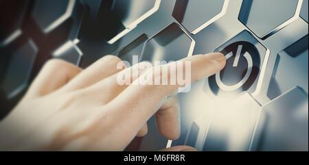 Pousser le bouton de démarrage numérique doigt sur une interface futuriste. Conception d'une technologie innovatrice. Banque D'Images