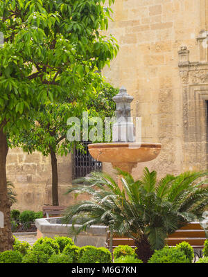 Fontaine jardin oriental à Séville Banque D'Images