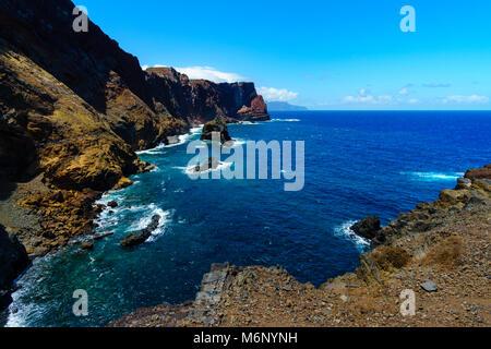 Beau paysage à la côte nord de la Ponta de Sao Lourenço, Madeira, Portugal à l'été Banque D'Images
