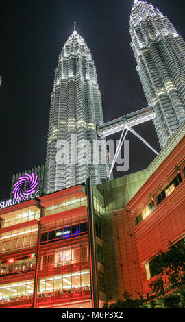 Centre commercial Suria, Petronas Towers, le centre ville de Kuala Lumpur (KLCC), Kuala Lumpur, Malaisie Banque D'Images