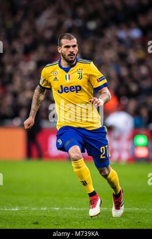 Londres, ANGLETERRE - 07 mars: Stefano Sturaro (27) ) de la Juventus lors de la Ligue des Champions Tour de 16 deuxième match de jambe entre Tottenham Hotspur et la Juventus au stade de Wembley, le 7 mars 2018 à Londres, Royaume-Uni. (Photo de MO Media/ )