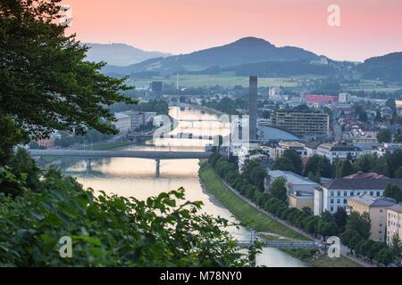 Vue de la rivière Salzach, Salzburg, Autriche, Europe Banque D'Images
