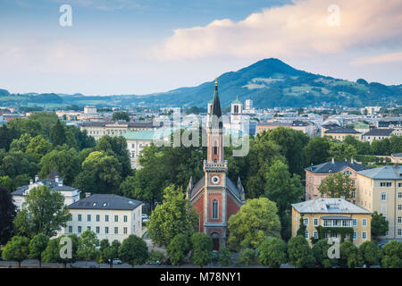 Vue de l'Eglise protestante du Christ, Salzburg, Autriche, Europe Banque D'Images