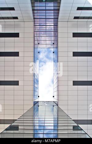 Le port de Rheinau, l'architecture moderne en centre-ville de Cologne, Cologne (Köln), Rhénanie du Nord-Westphalie, Banque D'Images