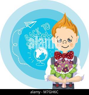 Happy boy avec bouquet de fleurs se tiennent près de fond bleu, avec des lettres et des peintures, le retour à l'école, Banque D'Images