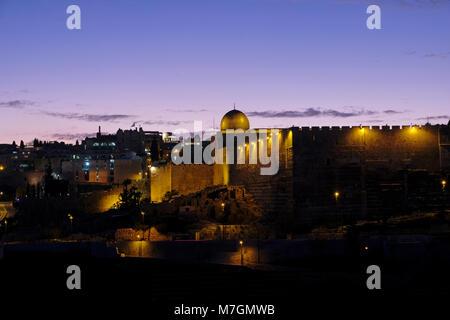 Au coucher du soleil Vue de la mosquée Al-Aksa construit au sommet du Mont du Temple, connu sous le nom de Al Aqsa Banque D'Images