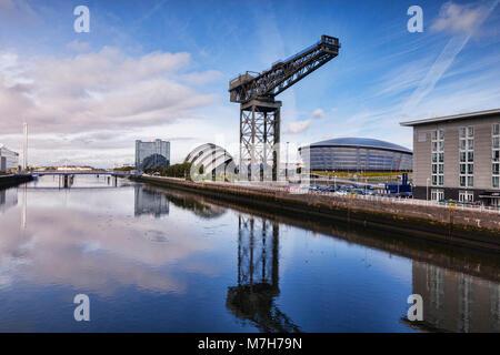 Clyde Waterfront Regeneration, avec la tour de Glasgow, l'hôtel Crowne Plaza Hotel, le SECC, l'ETI et l'Hydro Finnieston Banque D'Images