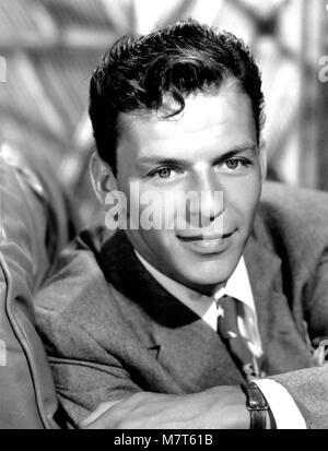FRANK SINATRA (1915-1998) chanteur et acteur de cinéma sur 1950