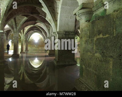 Intérieur de citerne portugaise souterraine en arabe à la fin de la forteresse de style manuélin gothique dans la Banque D'Images