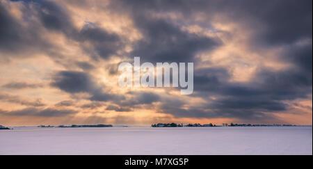 L'hiver en Hollande dans les Johannes Kerkhovenpolder près de Woldendorp, province de Groningue, Pays-Bas Banque D'Images