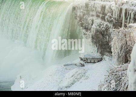 Horseshoe Fall, Niagara Falls, Ontario Canada gelés en hiver Banque D'Images