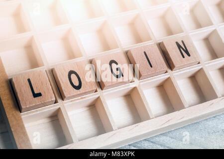 Libre du mot Login formé par des blocs de bois dans un Typecase Banque D'Images