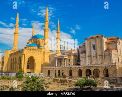 La coexistence des religions au Liban - Saint George cathédrale maronite et le Mohammad Al-Amin Mosque Banque D'Images