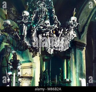 Des crânes et des ossements, église, Prague, Tchécoslovaquie, 1910 Banque D'Images