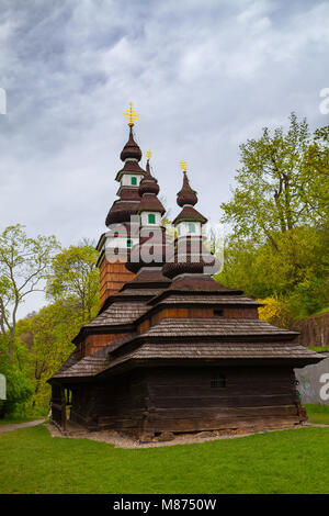 Le ruthène architecture en bois - Église de l'archange Saint Michel à Prague. Banque D'Images