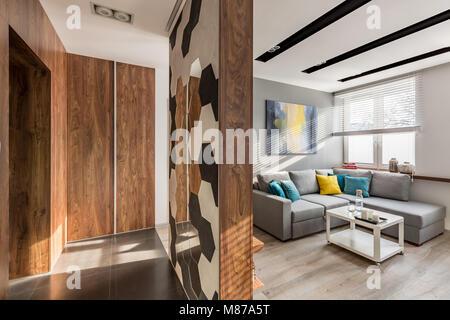 Appartement moderne avec des prix d'entrée et séjour lumineux