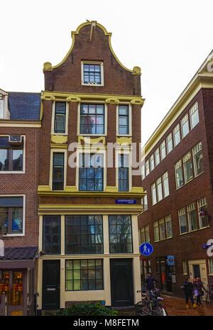 Amsterdam, Pays-Bas - le 14 décembre 2017: La façade de la vieille chambre à Amsterdam Banque D'Images