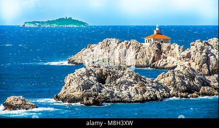 Petite île de la Méditerranée au large de Dubrovnik Banque D'Images
