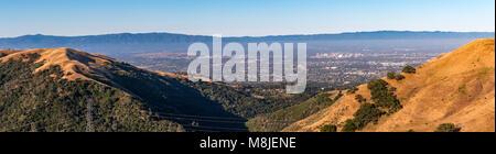 Montagnes formant avec San Jose Silicon Valley dans le centre-ville Banque D'Images