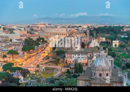 Rome, Italie - le paysage urbain de monument Vittoriano, dans le centre de Rome, également connu comme 'Altare della Banque D'Images