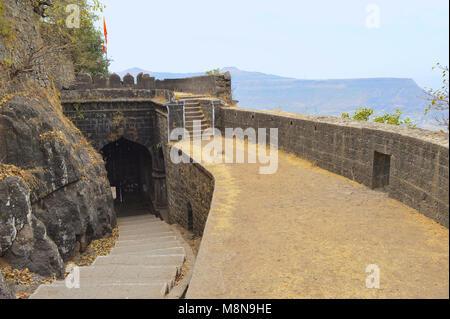 Ajinkyatra fort est à Satara, Maharashtra. Le fort est situé à Ajinkyatara Mountain, qui est 3 300 pieds de haut. Banque D'Images