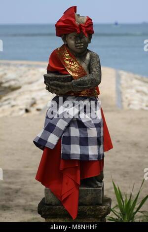 Hindu statue sur la plage de Sanur Bali Banque D'Images
