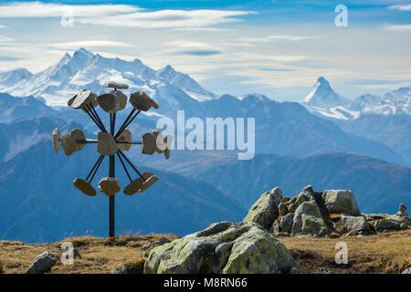 L'art moderne en contraste avec le sommet du Cervin, Suisse Banque D'Images